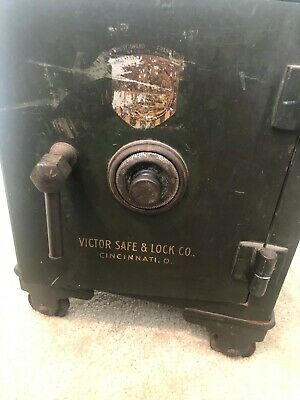 Vintage Victor Safe & Lock Co. with combination Nice overall condition