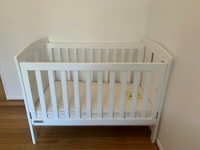 TASMAN Eco Cot in White and Mattress