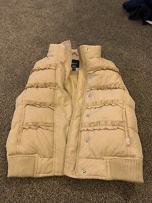 Girls GAP Gilet. Used  Approx Age Small. Approx Age 7-8