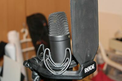 Microphone Rode NT-1 Condenser Shock Mount Professional Japan Wired Cable Black