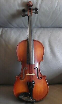 Copy Stradivarius Messiah Violin Model 1716 4/4 full size. Cased with bow