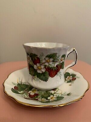 Hammersley & Co. Bone China Made In England Strawberry Ripe Cup & Saucer