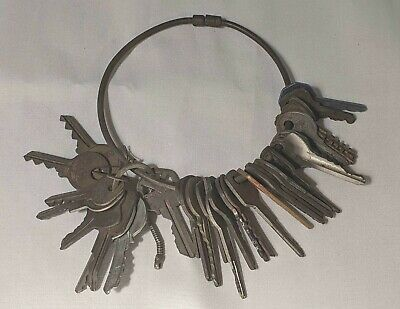 Collectible LOT of VTG Mixed Antique KEYS on Large RING