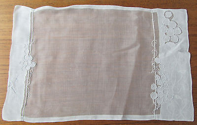 Vtge Madeira Organdy Grape Vine Embroidered 8 Placemats & Napkins + Runner 17