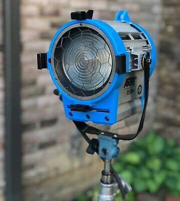 Arri 650 Plus Fresnel Spotlight with Bulb. Nice