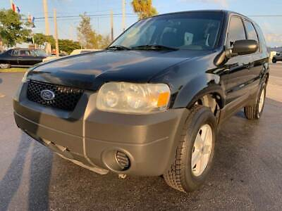 2005 Ford Escape XLS 4dr SUV 2005 Ford Escape XLS 4dr SUV Florida Owned Drives Awesome Cold A/C Reliable SUV