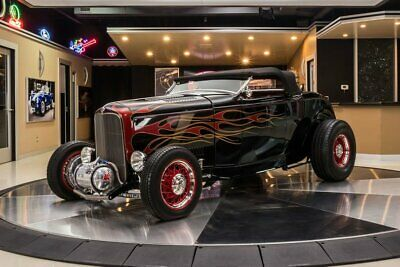 1932 Ford Roadster Street Rod Roadster Hi-Boy! 350ci V8 Crate Engine, TH350 Automatic, Pete and Jakes Frame
