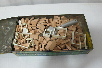 Job lot of vintage brick player bricks