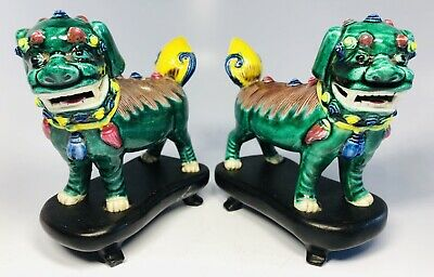 Antique 1920s Chinese Hand-Painted Foo-Dogs Pottery Figures Pair on Wood Bases