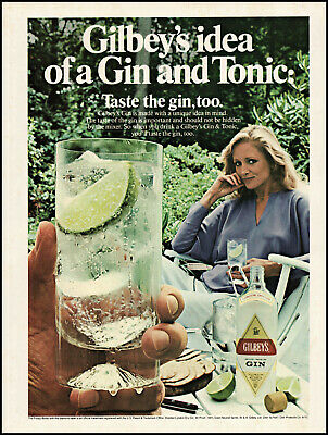 1981 Woman lounging in garden Gilbey's Gin lime ice vintage photo print ad ads56