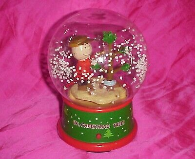 Gemmy Peanuts A Charlie Brown Christmas Animated Musical Snow Globe