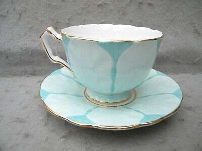 AYNSLEY ENGLISH FINE BONE CHINA CABINET CUP & SAUCER in LEAF PATTERN-PERFECT!
