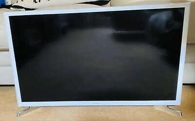 Samsung 32 Inch Smart LED TV HD Freeview Cracked Screen Fully Working or Parts