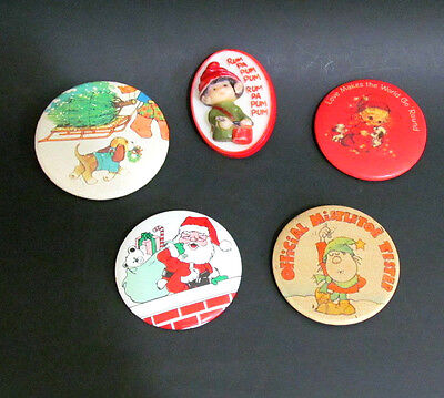 Christmas Pinback lot Round Metal Oval Plastic Fun pins 5 pcs Vintage