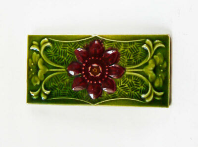 """Nice Original 6"""" x 3""""  Rich Green Antique Moulded Majolica Floral Tile in Relief"""