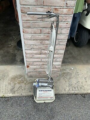 Host Dry carpet cleaning machine WORKS GREAT With Supplies.