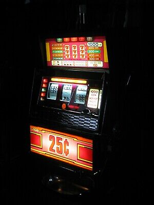 Antique Vintage Bally's Slot Machine' ( 25 Cent Five Liner) Beautiful Shape!