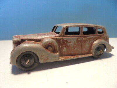 DINKY TOYS  PACKARD SUPER 8, 39a, c1947