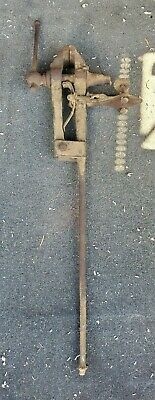Vintage Blacksmith Pole Vise 4 in. Wide Jaw 36 lbs.