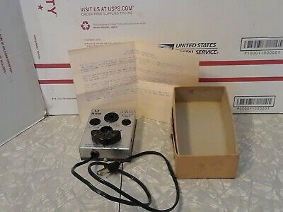 Vintage E-Z Tester Checks TV – radio & picture tubes tested Powers up