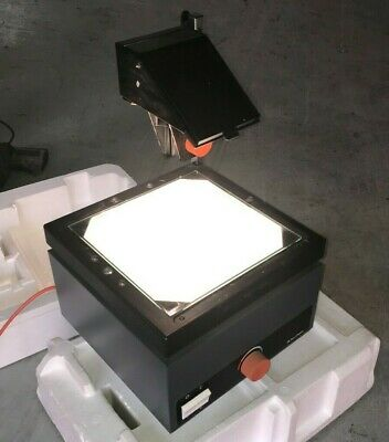 Bell & Howell Model 1701 Overhead Projector + Tripod + Screen
