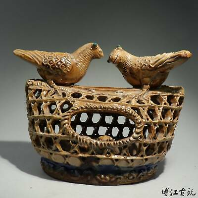 Collectable China Old Porcelain Glaze Hand-Carved Bird's Nest Interesting Statue