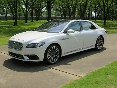 2019 Lincoln Continental Reserve MSRP $62270 One Owner Non Smoker Heated and Cooled Leather Seats Pano Roof 20's MSRP $62270