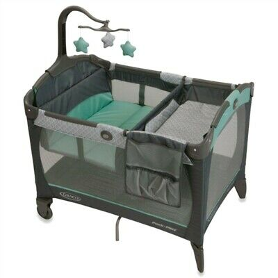 Graco Pack 'n Play Change 'n Carry Playard with Bassinet, Manor