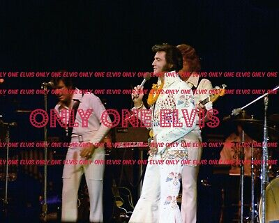 """1973 ELVIS PRESLEY on TELEVISION /""""ALOHA FROM HAWAII/"""" CONCERT Photo #25"""