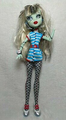 Monster High Doll - Frankie Stein - Home Ick School Classroom Mattel - 2008