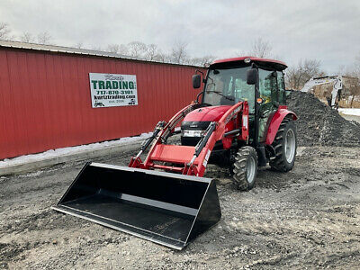 2017 Case IH Farmall D40 4x4 Hydro Compact Tractor w/ Cab & Loader Only 282Hrs!