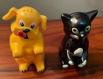 1960's Vintage Salt & Pepper Dog and Cat Shakers and Mini Toaster with Toast