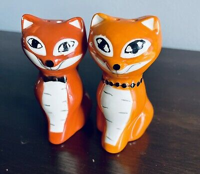"""Vintage Siamese Cat Salt And Pepper Shakers .  3.25"""" Tall.  Excellent Condition."""