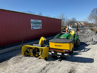 2008 John Deere 2305 4x4 Hydro Compact Tractor w/ Loader Only 900 Hours!!!!