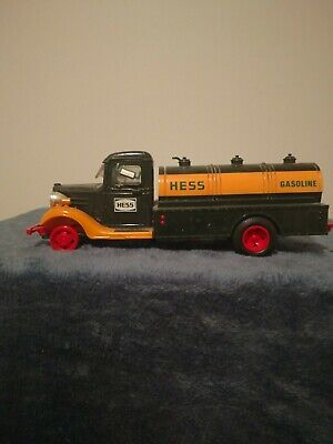 """Vtg 1982 """"The First Hess Toy Truck"""" Gasoline Tanker Red Switch (MIB) Hong Kong"""