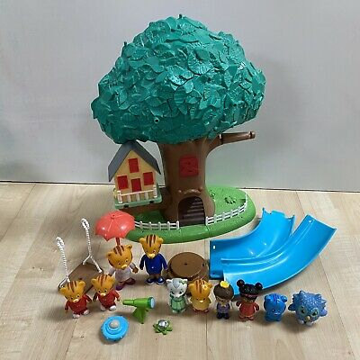 Daniel Tiger 3 in 1 Transformation Treehouse Incomplete Set