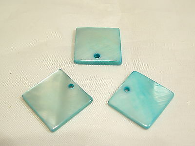 10 x Natural Dyed Shell Pendants: BNSP145 Turq. Square
