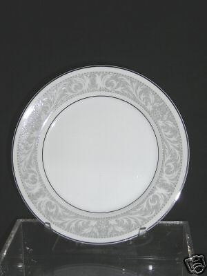 IMPERIAL CHINA WHITNEY W. DALTON DINNER PLATE #5671