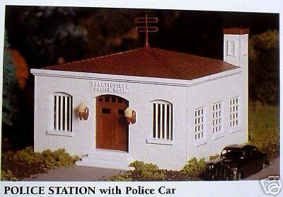 Bachmann O Scale Kit 45609, Police Station & Police Car