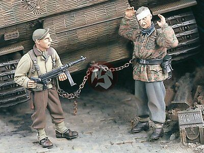 """Verlinden 1/35 """"Give it up, Jerry"""" Wounded Waffen-SS captured by US GI WWII 1732"""