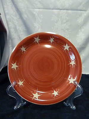 Mulberry's holiday dinnerplate,10 1/2 in, red with star pattern