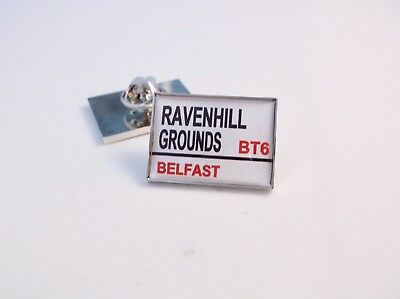 Ulster Rugby Stadium Road Street Sign Lapel Pin Badge Gift
