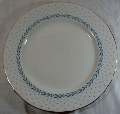 Royal Chelsea Heraldic Scalloped Dinner Plate