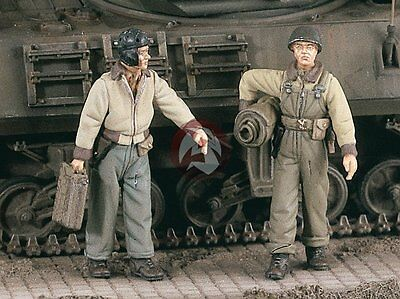 Verlinden 1/48 US Tankers with Supplies WWII (2 Figures) [Resin Model kit] 2286