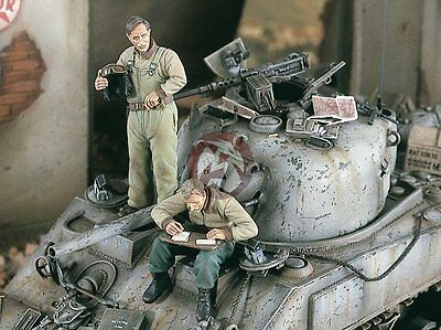 """Verlinden 1/35 """"Letters from Home"""" US Tankers reading Mail WWII (2 Figures) 1849"""