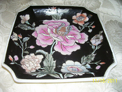 """BEAUTIFUL HAND PAINTED H.F.P. MACAU 8"""" TRAY, FLORAL ON BLACK, AWESOME"""