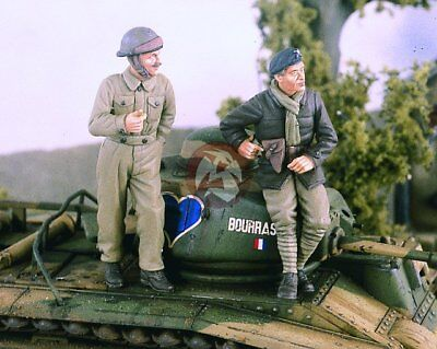 Verlinden 1/35 French Tankers Resting in 1940 WWII (2 Figures) [Resin] 2334