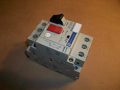 Telemecanique Manual Motor Starter GV2-M08   2.5 - 4amp  w/ GV2-AN11 Aux Contact