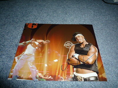 JTG signed Autogramm 20x25 In Person WWE RAW Wrestlemania Revenge Tour