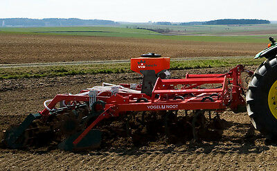 Spreader fertiliser pneumatic seeding machine VT 3.15
